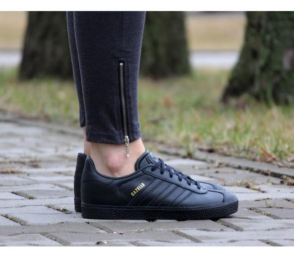Adidas Gazelle J total black BY9146